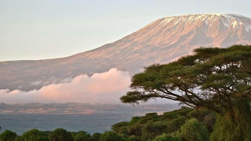 Вулкан Килиманджаро фото