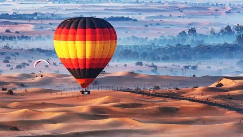 Воздушный шар над ОАЭ