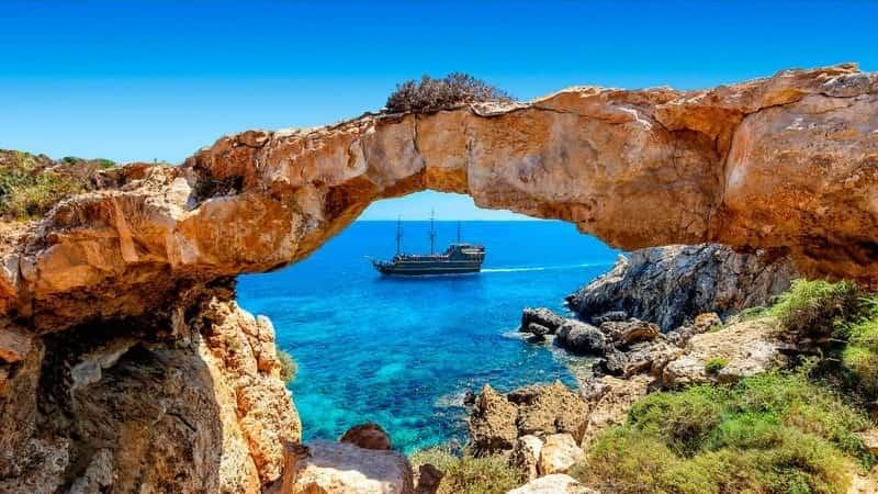 Кипр открыт для туристов