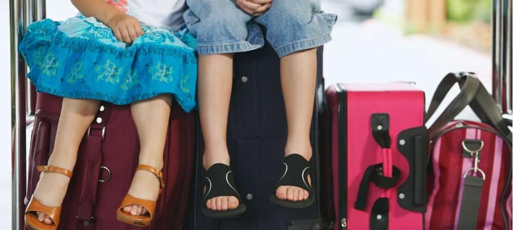 С ребенком на море на самолете