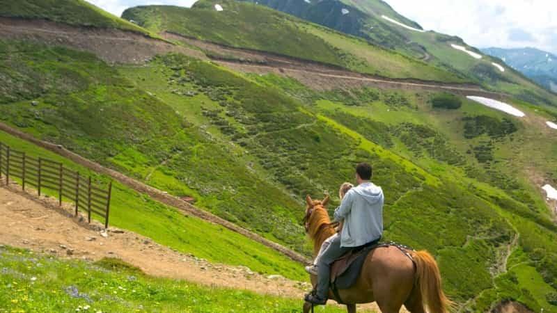Конные прогулки в Сочи фото