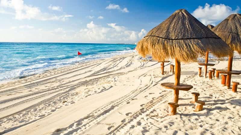 Куда лучше поехать в декабре на море