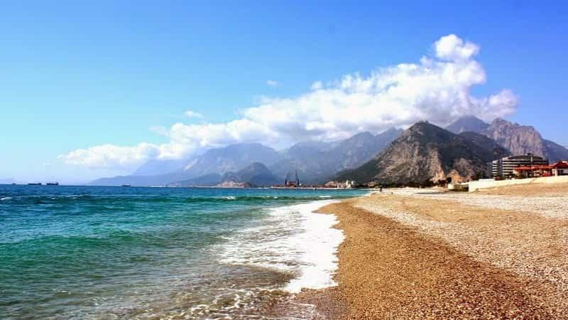 Пляжи Анталии зимой