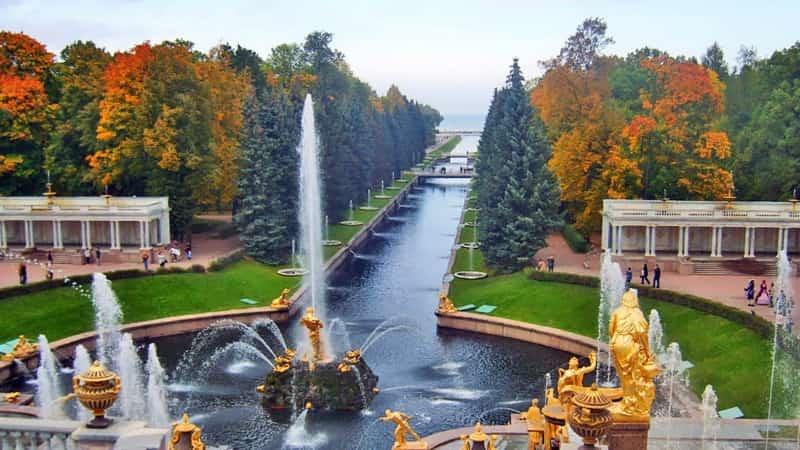 Петергоф дворец фонтаны