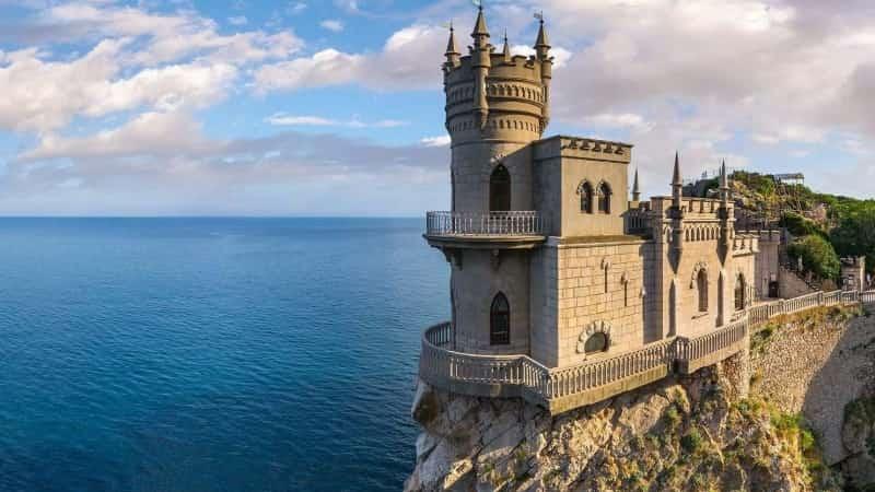 Отдых весной в Крыму